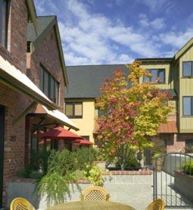 Eagle Harbor Inn
